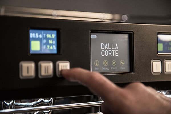 teplota kontrola extrakcie na kavovare dalla corte